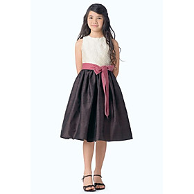 A-line Jewel Knee-length Taffeta Lace Junior Bridesmaid Dress (WSD0300)