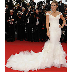 Elsa Pataky Trumpet/ Mermaid Off-the-shoulder Chapel Train Capped Short Tulle/ Taffeta Cannes Film Festival/ Evening Dress (FGY0810)